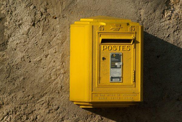 Actionbild-Beitrag-Postkasten