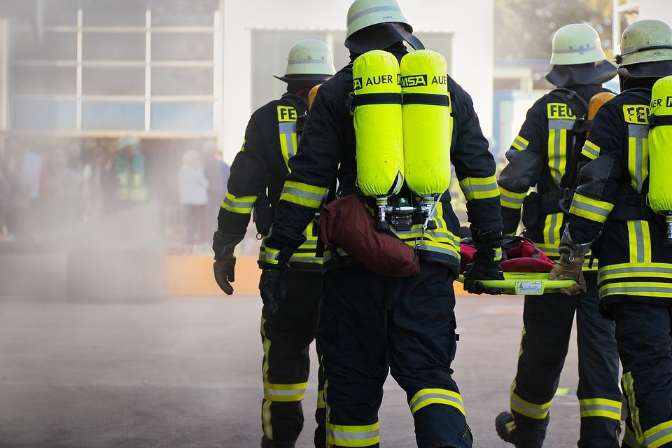 Actionbild-Feuerwehr-Atemschutz