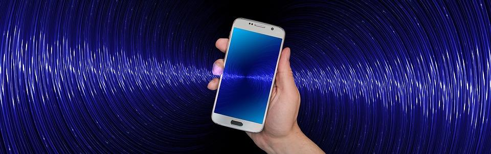 Actionbild-Smartphone-Bluetooth