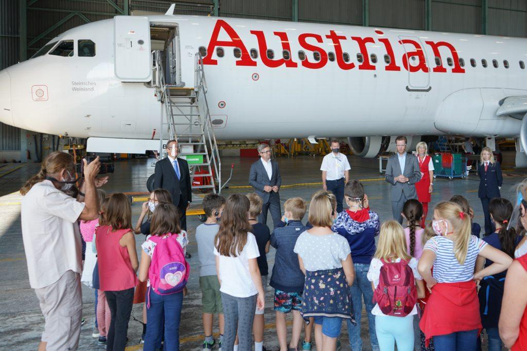 Austrian-Führung-Begrüßungsrunde
