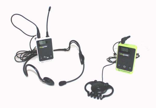 Sender-und-Empfaenger-CityGuide-headsets_at